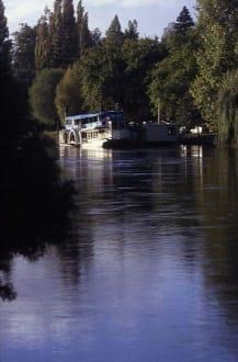 Der Raddampfer WAIPA DELTA auf dem Waitomo River - Raddampfer Waipa Delta (geschlossen)