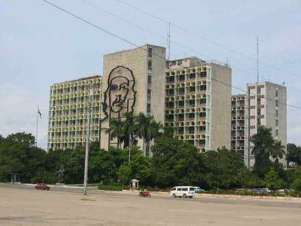 Havanna 2003 - Kubanisches Innenministerium