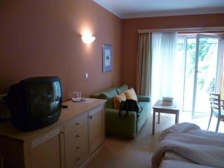 mediterrane farben sonnenterrasse viel platz bild hotel staribacher s dsteiermark in. Black Bedroom Furniture Sets. Home Design Ideas