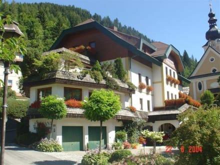 Sommeraufnahme - Das Landhaus Prägant Ferienappartements