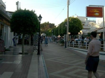 Fußgängerzone in Cala d'Or - Altstadt Cala d'Or