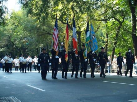 Die Fahnenträger - Steuben Parade New York