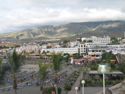 Blick auf die Promenade und den Playa Fanabe - Strand Playa de Fanabe