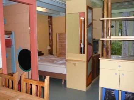 blick von k che bis schlaf und wohnraum bild center parcs het meerdal in horst aan de maas. Black Bedroom Furniture Sets. Home Design Ideas