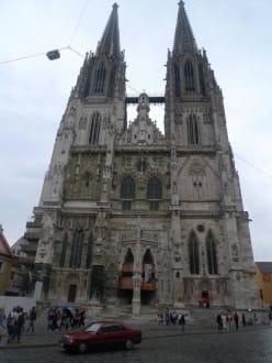 Tempel/Kirche/Grabmal - Dom St. Peter