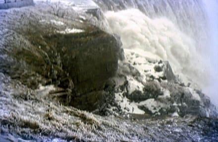 Die Niagara-Fälle im Winter - Niagarafälle / American Falls