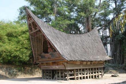 Batak-Häuser auf der Insel Samosir - Insel Samosir