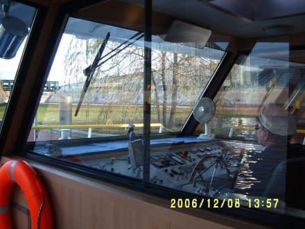 Kapitänskajütte auf einem Spreeschiff - Bootstour Spreefahrt Berlin