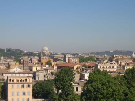 Blick über die Stadt in Richtung Petersdom - Aventin