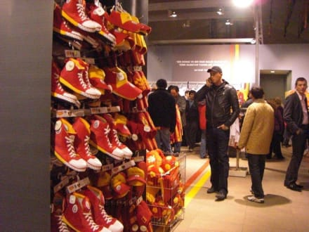 Galatasaray Fan Shop - Fussball Stadion Ali Sami Yen