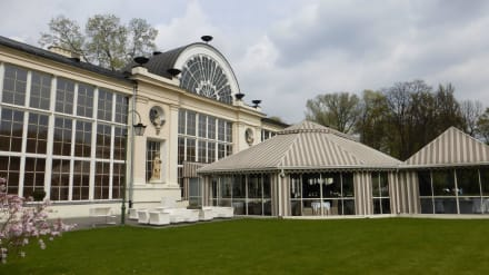 Restaurant: Neue Orangerie (Nowa Pomarańczarnia) - Lazienki Park / Park der Bäder