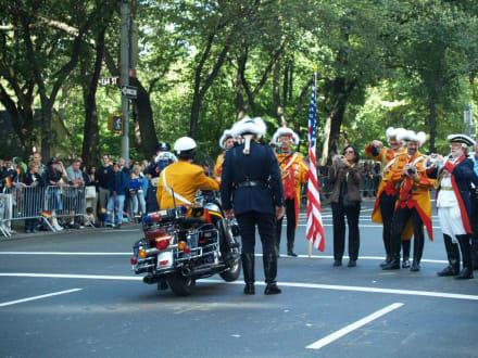 Alte Uniformen - Steuben Parade New York