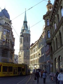 Turm, aus der Gr. Ulrichstr. - Roter Turm