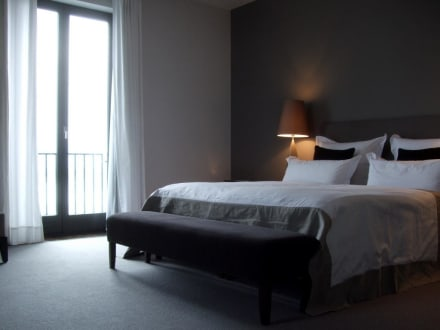 schlafraum suite bild hotel ceres am meer in binz auf r gen mecklenburg vorpommern deutschland. Black Bedroom Furniture Sets. Home Design Ideas
