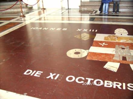 Bodenmosaik Papst Johannes XXIII - Petersdom
