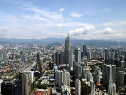 Stadt/Ort - Menara Kuala Lumpur (Fernsehturm)