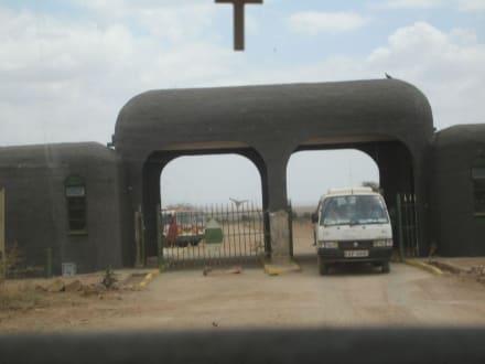 Tor zum Amboseli Park - Amboseli Nationalpark