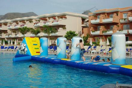 Wasserpiste im pool bild be live family costa los gigantes in puerto de santiago teneriffa - Hotel be live family costa los gigantes puerto de santiago ...