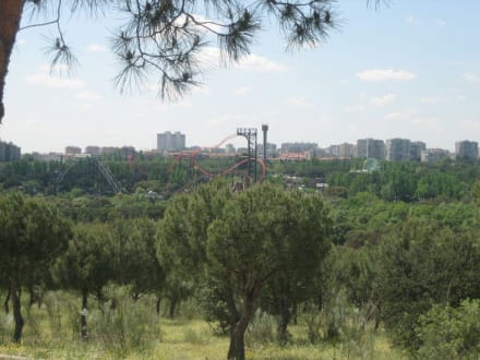 Teleférico - Achterbahn im Parque de Atracciones - Teleférico