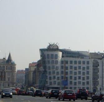 Sonstige Gebäude - Das tanzende Haus