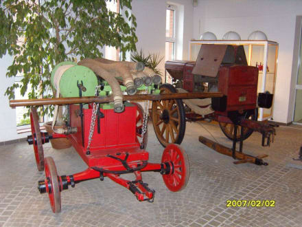 Zwei Feuerwehrwagen! - Landwirtschaftsmuseum Meldorf