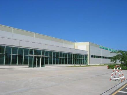 International Airport Gan - Flughafen Gan (GAN)