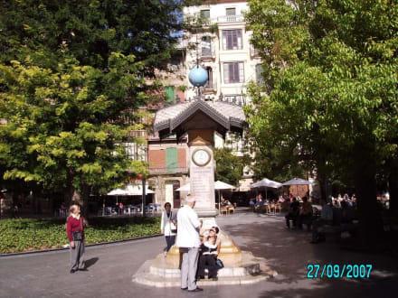Place Espanya - Plaza d' Espana