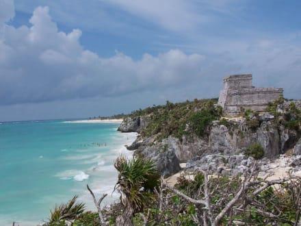 Festung mit Strand - Ruinen von Tulum