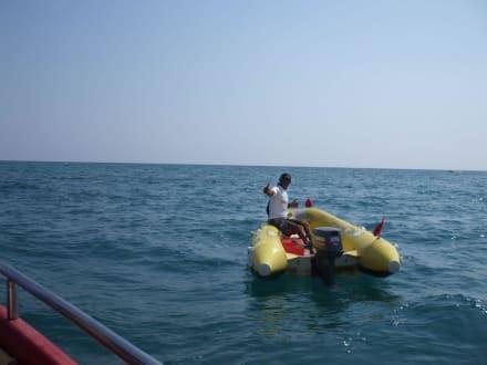 Zubringer zum Boot - Parasailing