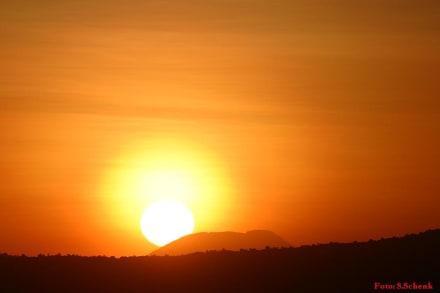 Sunrise am Ngorongoro - Ngorongoro Reservat