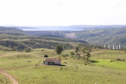 Staudamm - Guide Luis Praia do Forte
