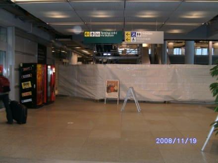 Kleine Baustelle im Flughafen - Flughafen Düsseldorf (DUS)