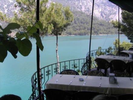 Aussicht vom Lokal - Oymapinar Baraji/ Stausee Green Lake & Green Canyon