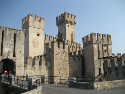 Sirmione - Eingang zur Altstadt - Altstadt Sirmione