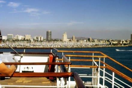 Blick von der Queen Mary I nach Long Beach - Queen Mary