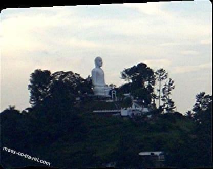 Der Buddha hoch oben - Bahiravakanda Buddha