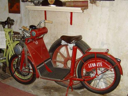 Eine Levante! - Oldtimermuseum Kuhstall