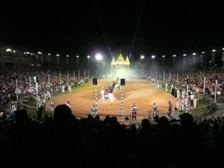 Arena bei Nacht - Kaltenberger Ritterturnier