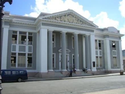 Das Colegio San Lorenzo - Altstadt Cienfuegos