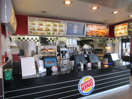 theke bild burger king neustadt an der weinstra e in neustadt an der weinstra e. Black Bedroom Furniture Sets. Home Design Ideas