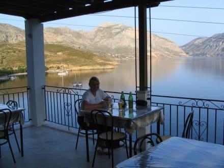 Terrasse der Taverne Mbarba Nikolas - Tavernen
