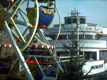 Deutschland - Konstanz - Hafen - Weihnachtsmarkt - Weihnachtsmarkt am See Konstanz