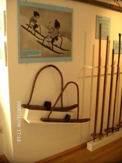 erste Kinderski einamlig - Kleinmuseum Klösterle