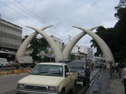 Elefantenzähne Mombasa - Mombasa Wahrzeichen
