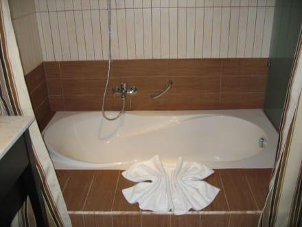eingelassene wanne im bad bild hotel paradis palace in hammamet gro raum monastir tunesien. Black Bedroom Furniture Sets. Home Design Ideas