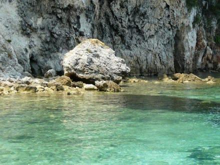 Blaue Lagune - Nisida Mourtos
