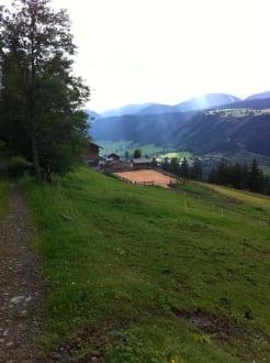 Vom Badesee zur Pferde Koppel - Hotel Schröckerhof