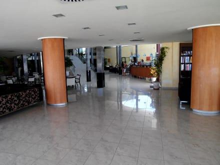 Die Rezeption - Hotel Las Costas