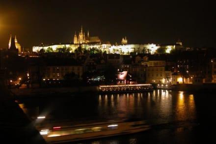 Prager Burg am Abend - Prager Burg / Hradschin