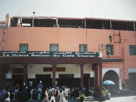Ein Kaffee mit Ausblick über den Platz - Place Djemaa el Fna